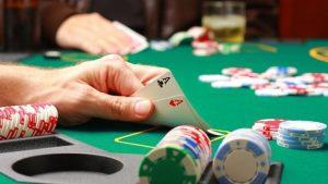 Những mánh khóe cờ bạc bịp khi chơi đánh bài